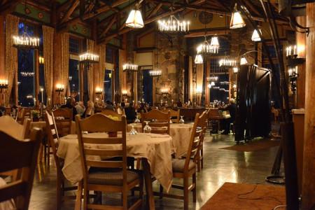 restaurant-237060_640